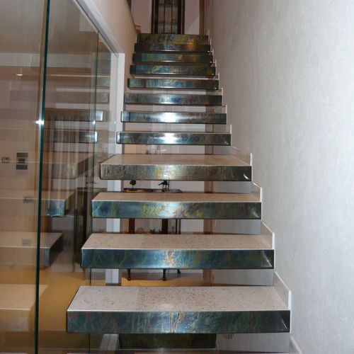 les meilleurs escaliers pour petit espace maison et cologie. Black Bedroom Furniture Sets. Home Design Ideas