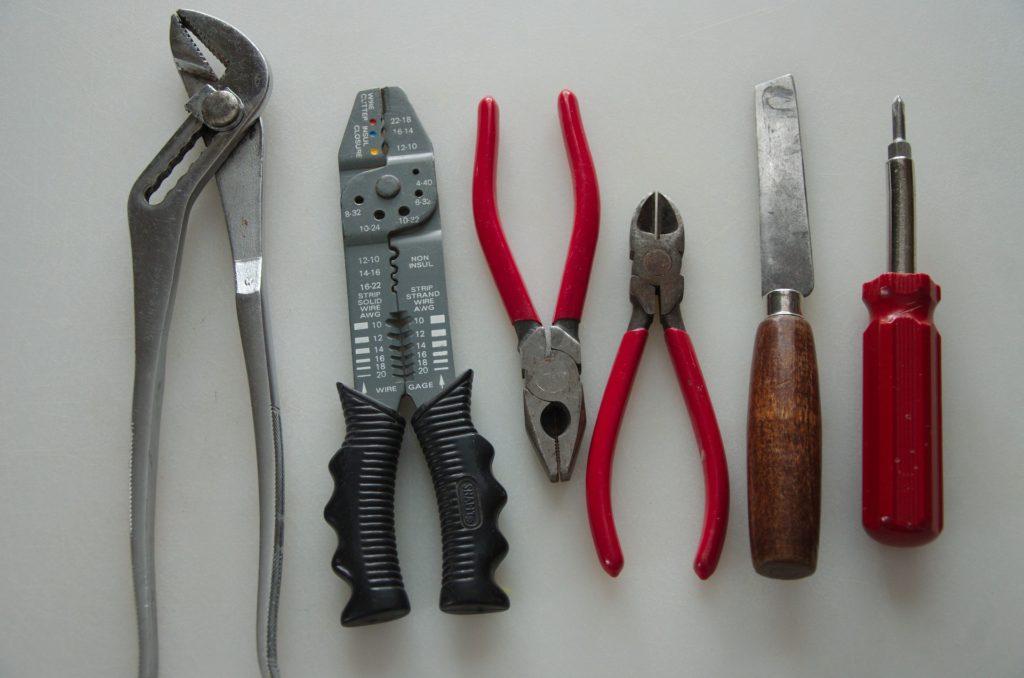 outils-équipements-électriques